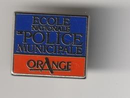 Pin's -- ECOLE NATIONALE De POLICE MUNICIPALE - Police