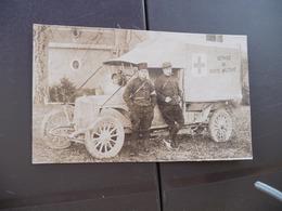 Carte Photo Militaires Militaria Ambulance Militaire Personnages Au Dos Nommés Guerre 14/18 Raccourcie En L'état - War 1914-18