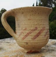 Récipient à Boire En Terre Cuite  Romain (modèle Peu Courant) - Archéologie