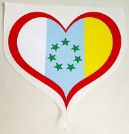 Ancien Autocollant D'un Coeur Avec Le Drapeau De L'indépendance Des Canaries - Aufkleber