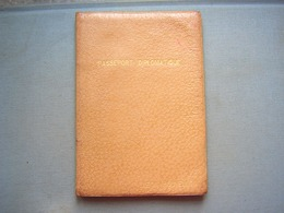 PASSEPORT DIPLOMATIQUE - AMBASSADE DE FRANCE AU MEXIQUE - 1947 - Documenti Storici
