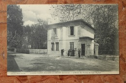 SAINT MEDARD EN JALLES (33) - L'HOTEL DES POSTES, EN FACE DE L'EGLISE - Otros Municipios