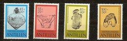 Antilles Néerlandaises Antillen 1983 Yvertn° 690-693  *** MNH Cote 9  € Surtaxe Sociale Et Culturelle - Antilles