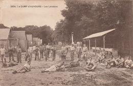 Carte Postale Ancienne De La Sarthe - Camp D'Auvours - Les Lavabos - Militaires - Altri Comuni