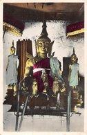 PIE.T.19-9858 : LAOS. PROVINCE DE LUANG-PRABANG. DANS LA PAGODE VAT SOP. AUTEL BOUDDHAS. - Laos