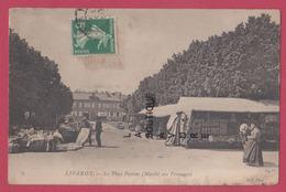 14 - LIVAROT--La Place Pasteur -Maché Aux Fromages---animé - Livarot