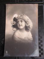 CP JEUNE FILLE  = POSTCARD BEAUTIFUL YOUNG GIRL - Grete Reinwald?? - Portraits