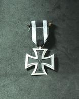 Croix De Fer Décoration Militaire De L'armée Allemande - Allemagne