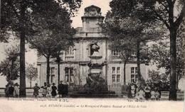 CP MUGRON - Le Monument Frédéric Bastiat Et L'Hôtel De Ville - France