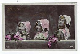 CPA - IRIS - Union Postale Universelle -  Carte Photo - Enfants - Fillettes - Coiffes - Costumes - Scènes & Paysages