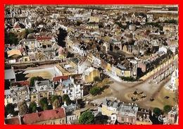 CPSM/gf (59) DOUAI.  Vue Aérienne De La Place L'Hériller...S1694 - Douai