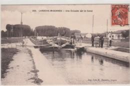 34018 - LAROCHE MIGENNES - UNE ECLUSEE SUR LE CANAL - Migennes