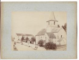 Photo Sur Carton 17,3x12,2 Cm Eglise De Meulson Et Le Cantonnier Jean Wisset 1892 - France