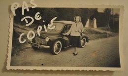 Automobile Photographie Renault 4 Chevaux Avec Femme Immatriculation Lot Et Garonne - Automobiles