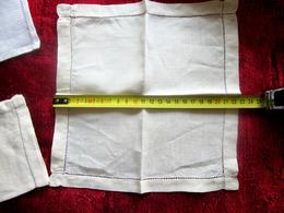 Vintage 4 Towels Linen Fabric 1 WITH BLUE EMBROIDERY Serviette Table 1 Brodée Motif Bleu Linge D'époque-Tissu-Toile Lin - Vintage Clothes & Linen