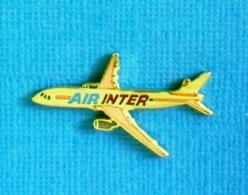 1 PIN'S //   ** AVION AIRBUS A330-300 AIR INTER ** . (Démons & Merveilles) - Avions