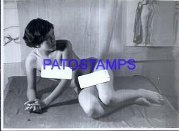 118851 REAL PHOTO SENSUAL EROTIC WOMAN NUDE ARTISTIC NO POSTAL POSTCARD - Fotografie
