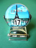 Paris Eiffel Tower Vintage Metal Desk Perpetual Calendar - Sculture