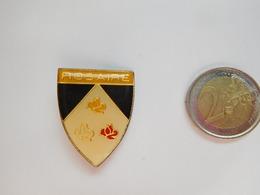 Belle Broche  ( No Pin's ) ,  Rosaire , Religion Catholique , Signée Beraudy - Pins