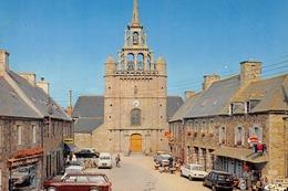 PLEUBIAN - Place De L'église - Automobiles - Renault 4L (dans Vitrine Boucherie Charcuterie) - Pleubian