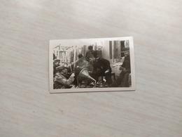 WWII Foto Wehrmacht FOTO MIT Grammophon - Guerra, Militari