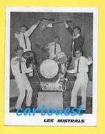 CPSM ☺♦♦ Le Groupe Les Mistrals ( Période Rythm'n Blues )    ♦♦☺ Abimée - PEU COURANTE - Chanteurs & Musiciens