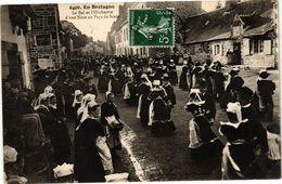CPA En Bretagne-Le Bal Et L'Orchestre D'une Noce Au Pays De SCAER (188671) - Francia
