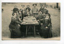 15 CANTAL 1428 Germain Malroux -  La Soupe Aux Choux Villageois Attablés 1920   D11 2019 - Francia