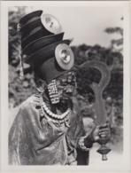 28705g CONGO BELGE - ISANGI - NKUMU TRIBU EKONDA - Photo De Presse - Ethnographique - H. Goldstein -24x18c - Afrique