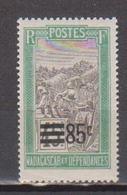 MADAGASCAR            N°  YVERT  :    149   NEUF AVEC  CHARNIERES      ( 02/39   ) - Nuevos