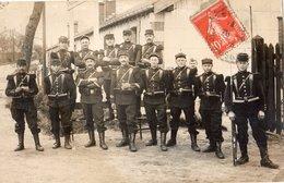 BRUYERES CARTE PHOTO GROUPE DE SOLDATS - Bruyeres