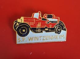"""PIN'S """" POMPIERS """"  Sapeurs  Pompiers WINTZENHEIM ( Haut-Rhin) N°889   JOLI - Pompiers"""