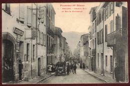 PRADES Grande Rue Et Route Nationale Animée - Postes Et Télégraphes - Pyrénées Orientales  66500 - N°1 - Prades