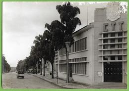 Carmona - Edificío Do CTT - Correios - Correio - Angola (danificado) - Angola