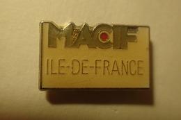Pin's MACIF Ile De France Assurance Mutuelle Et Banque - Administrations
