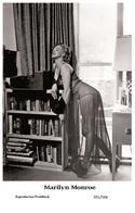 MARILYN MONROE - Film Star Pin Up PHOTO POSTCARD - 201-566 Swiftsure Postcard - Berühmt Frauen