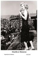 MARILYN MONROE - Film Star Pin Up PHOTO POSTCARD - 201-539 Swiftsure Postcard - Artistas