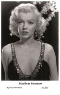 MARILYN MONROE - Film Star Pin Up PHOTO POSTCARD - 201-535 Swiftsure Postcard - Artistas