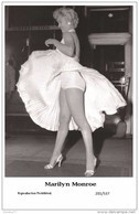 MARILYN MONROE - Film Star Pin Up PHOTO POSTCARD- Publisher Swiftsure 2000 (201/537) - Artistas