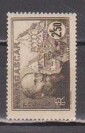 MADAGASCAR            N°  YVERT  :    224   NEUF AVEC  CHARNIERES      ( 02/39   ) - Madagaskar (1889-1960)