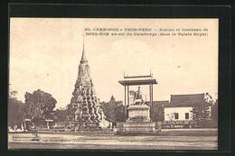 AK Pnom-Penh, Statue Et Tombeau De Noro-Dom Ex-roi Du Cambodge Dans Le Palais Royale - Cartes Postales