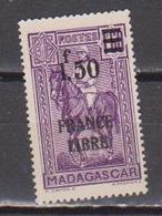 MADAGASCAR            N°  YVERT  :    261      NEUF AVEC  CHARNIERES      ( 02/39   ) - Madagaskar (1889-1960)