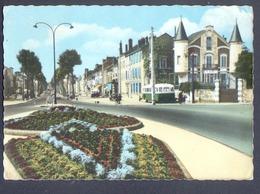 45, CPSM, Montargis, Avenue General De Gaulle - Montargis