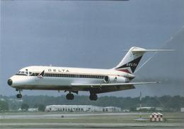 DAL - Delta Air Lines DC-9-14 N3305L At MEM Airplane Aereo - 1946-....: Era Moderna