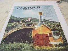 ANCIENNE PUBLICITE LIQUEUR IZARRA 1962 - Alcools