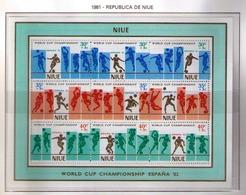NIUE 1981 - CAMPEONATO DEL MUNDO DE FUTBOL ESPAÑA '82 -  YVERT BLOCK Nº 49** - Niue