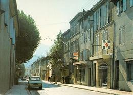 83 - Saint Zacharie En Provence : La Rue Jean - Jaurès Et Les Commerces - CPM écrite - Saint-Zacharie