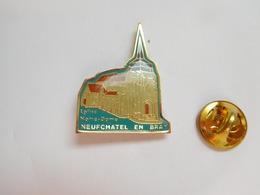 Beau Pin's , Ville De Neufchatel En Bray , église Notre Dame , Seine Maritime - Ciudades