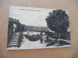 CPA 58 Nièvre Fleury Sur Loire La Place - Autres Communes