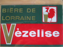 Enseigne  Sous Vitre . Biere Vezelize . Lorraine - Plaques Publicitaires